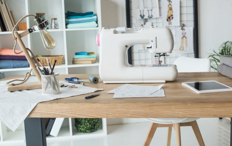 The 5 Best Sewing Machines for Beginners in 2021