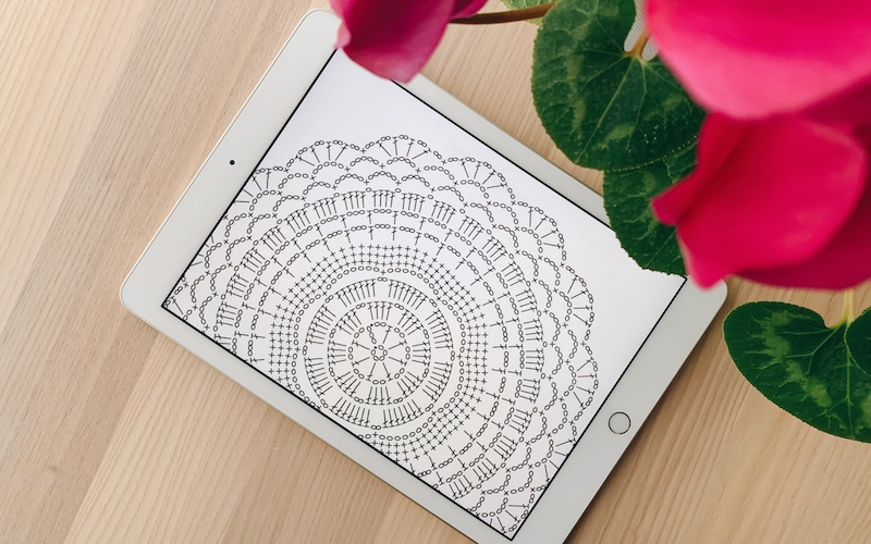 crochet chart displayed on a tablet