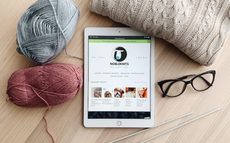 The Best Knitting Blogs to Start Reading Today