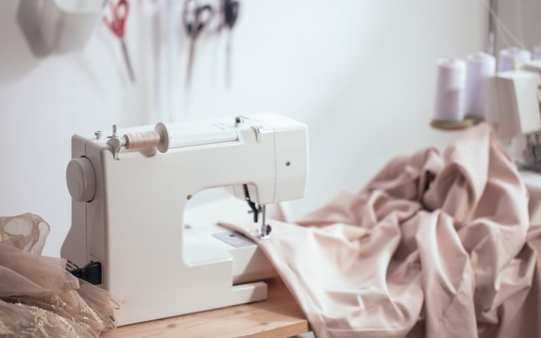 Mechanical vs Computerized Sewing Machines: Which is Better?