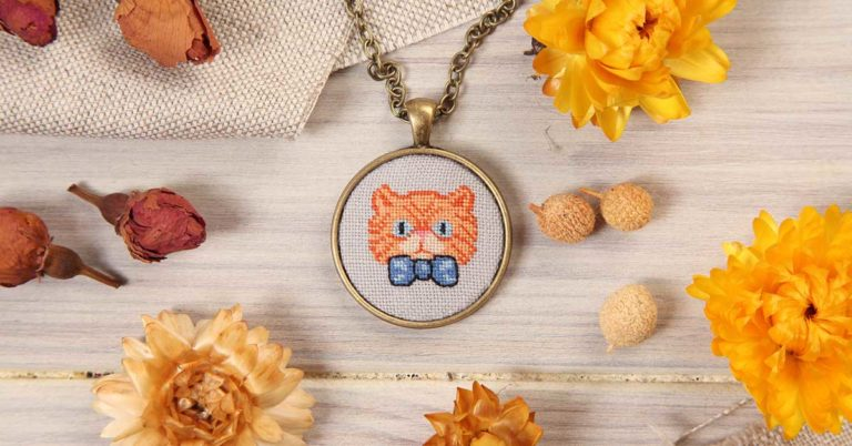 The 7 Best Cross Stitch Jewelry Tutorials to Make Yourself